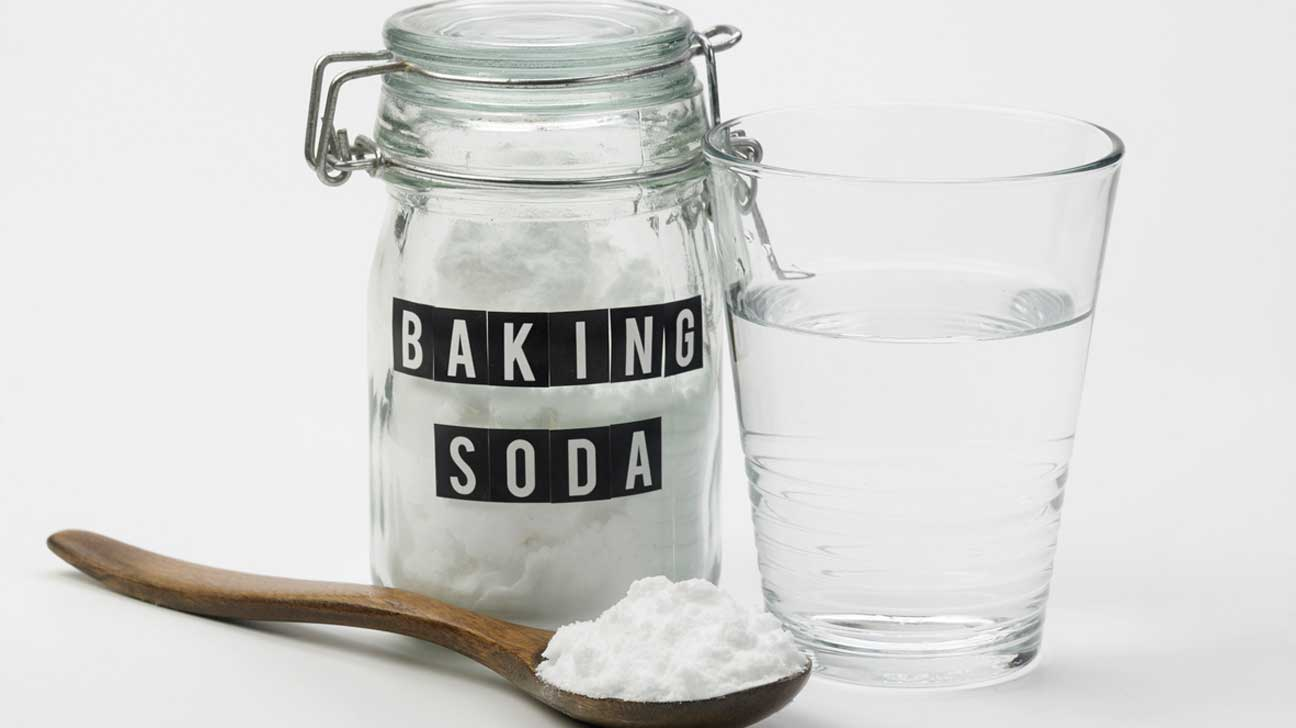 baking-soda-water-and-wooden-spoon-1296x728.jpg